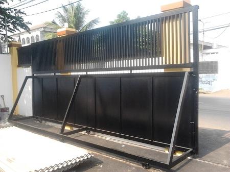 pintu-pagar-dorong-minimalis