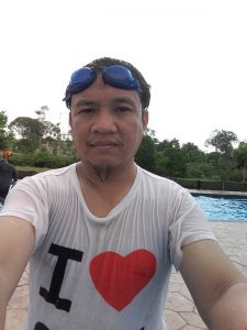 selfie-kolam-renang