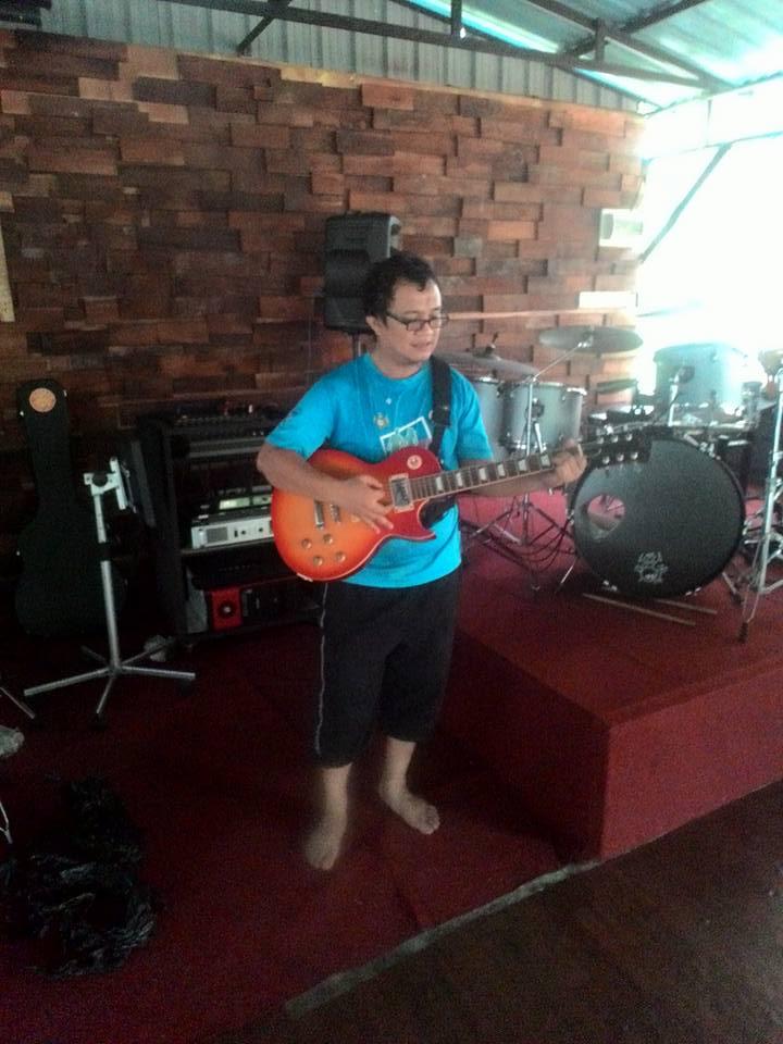 zool-main-gitar